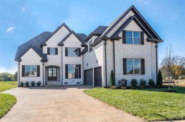 2035 Autumn Ridge Way Property Photo - Spring Hill, TN real estate listing