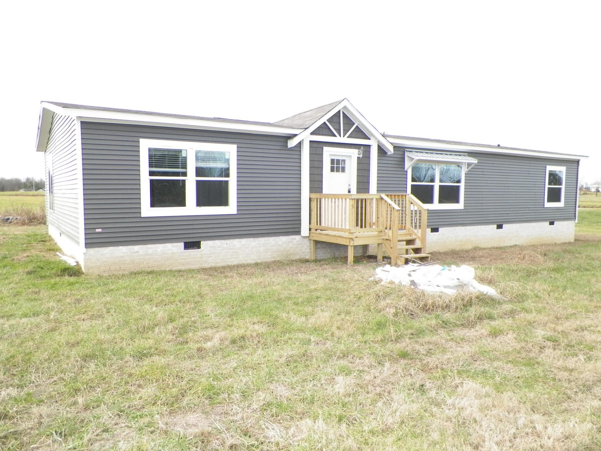 5085 Hauskins Ln Property Photo - Westmoreland, TN real estate listing