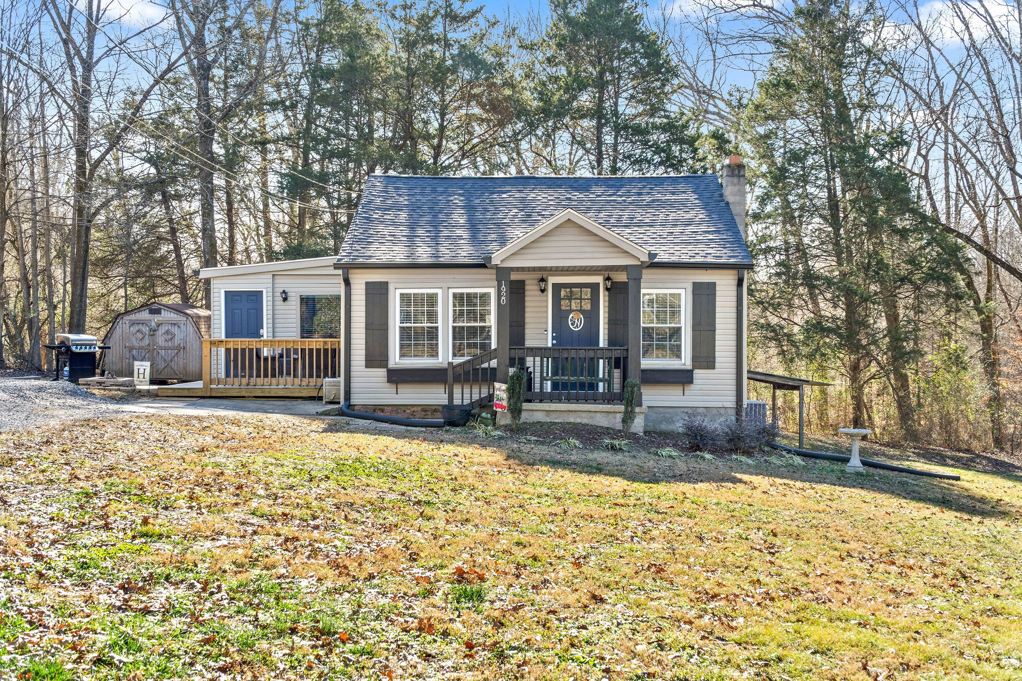1920 Palmyra Rd Property Photo - Palmyra, TN real estate listing