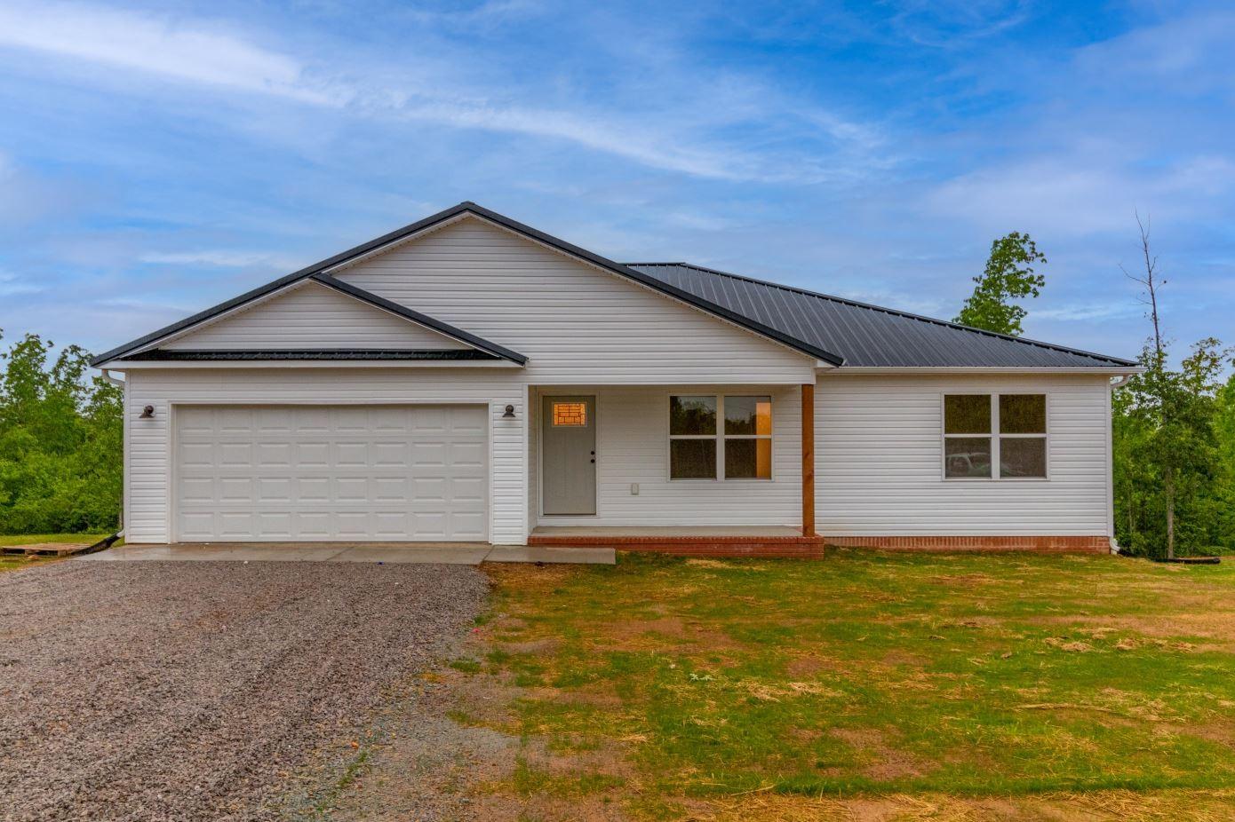 134 Gracey Ln Property Photo - Hohenwald, TN real estate listing
