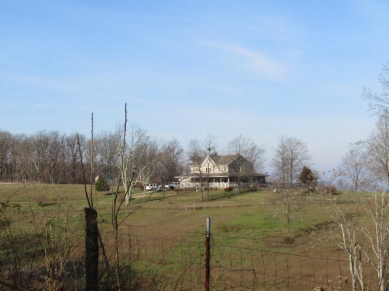 199 Sim Hoover Ln Property Photo - Jamestown, TN real estate listing