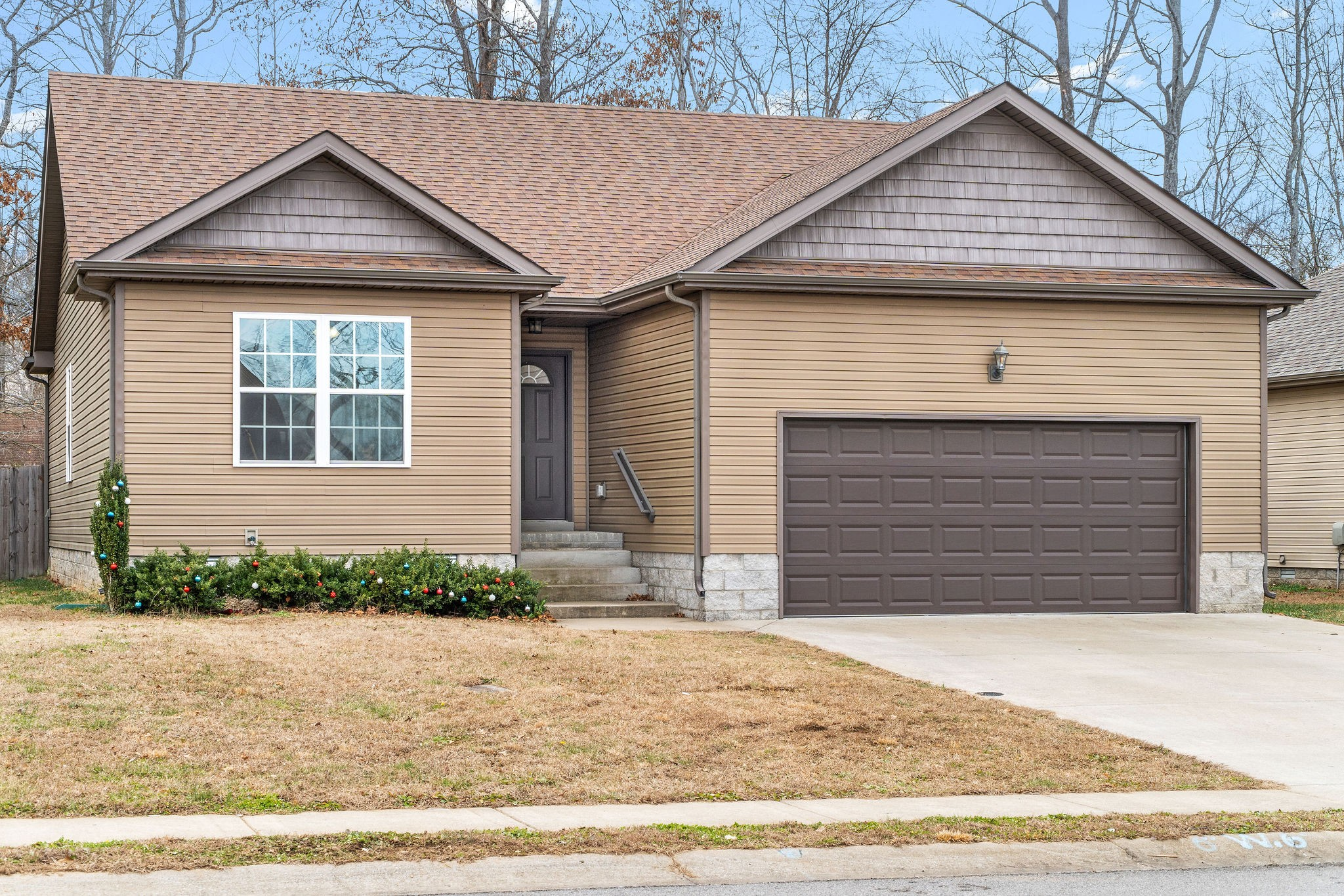 442 N Magnolia Dr Property Photo - Clarksville, TN real estate listing