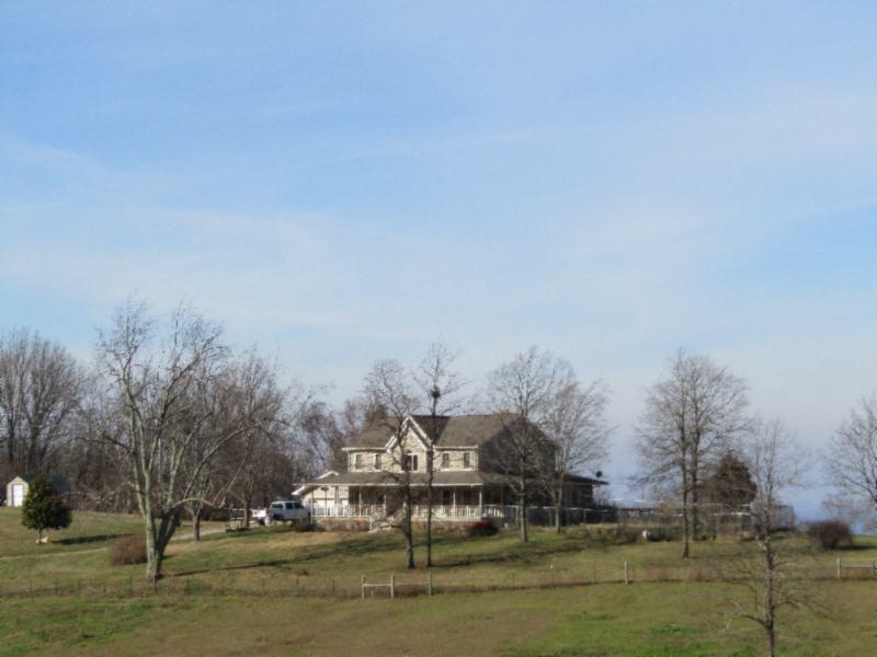 199 Sim Hoover Ln Property Photo - Jamestown, TN real estate listing