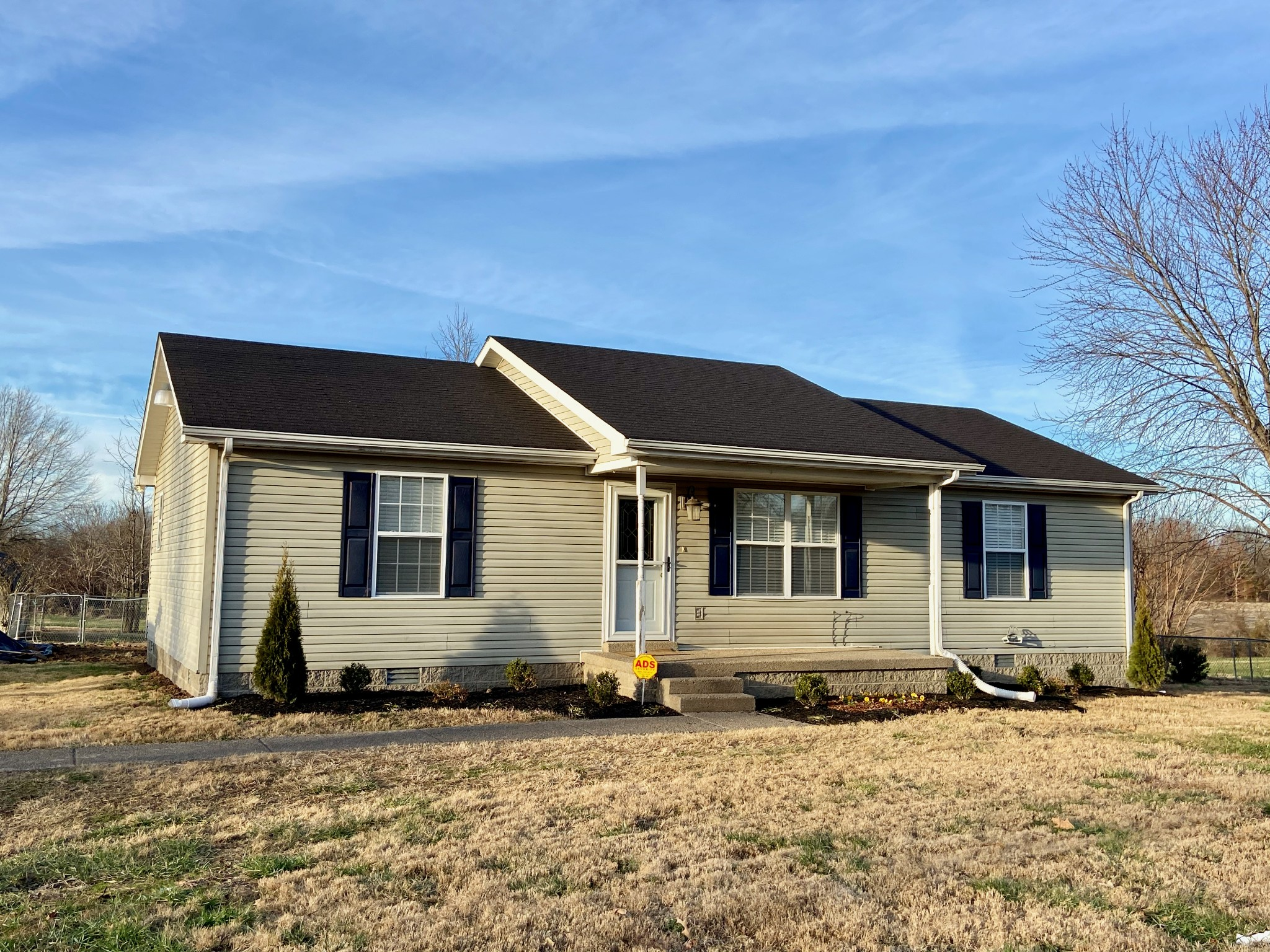 1822 Mosley Ferry Rd Property Photo - Chapmansboro, TN real estate listing