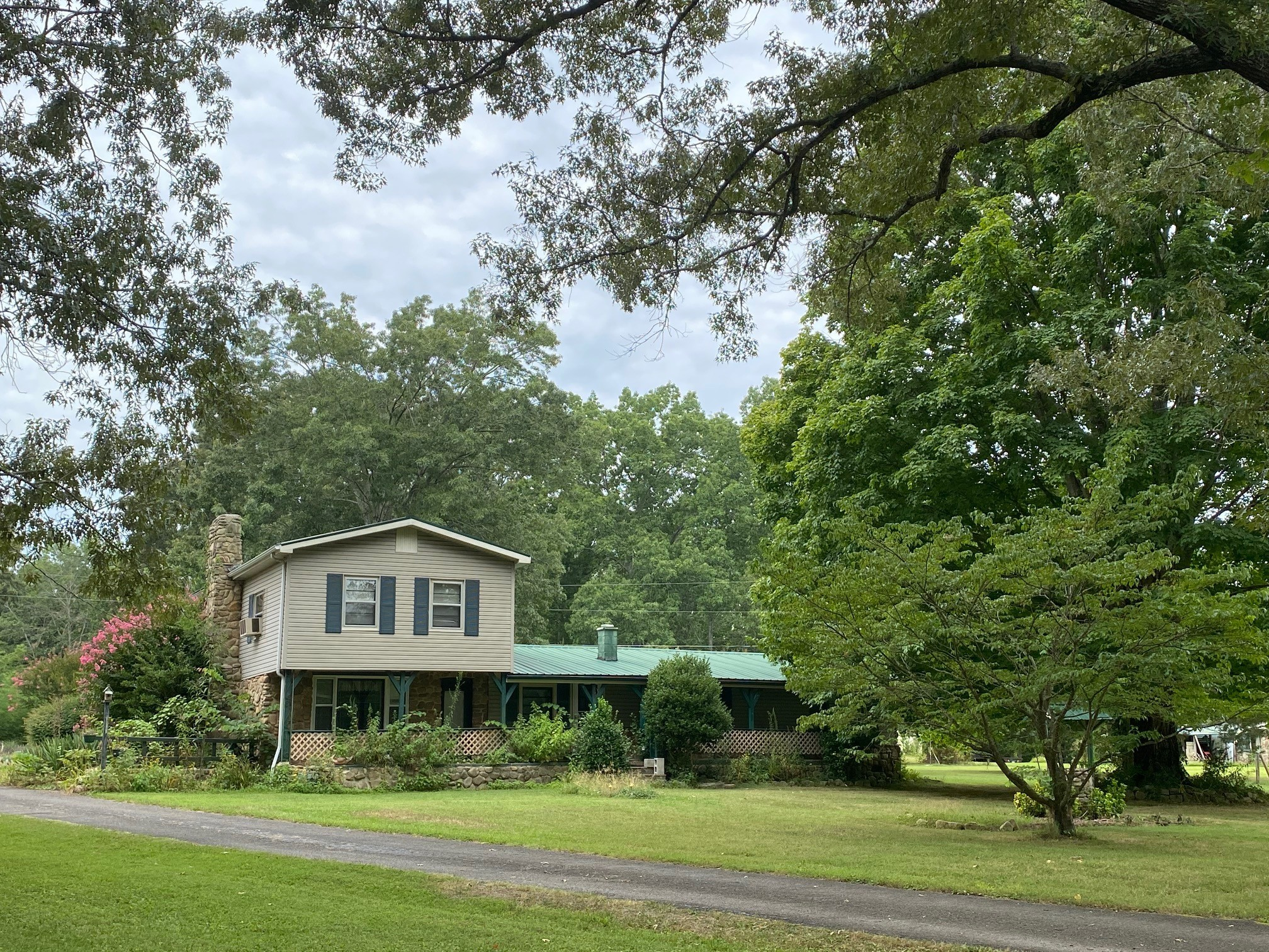 8237 Tullahoma Hwy Property Photo - Estill Springs, TN real estate listing