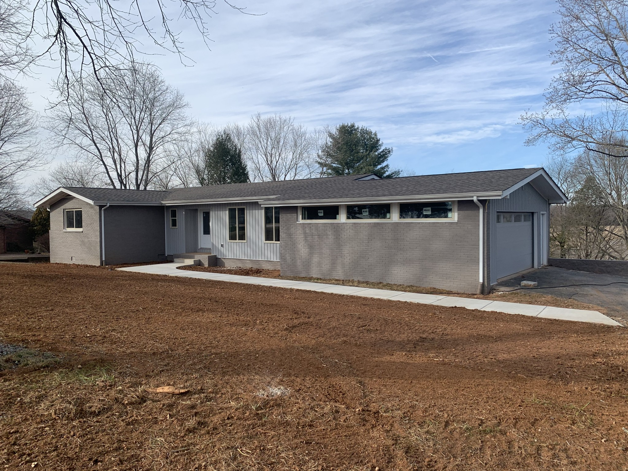 114 Hickory Hill Dr Property Photo - Estill Springs, TN real estate listing