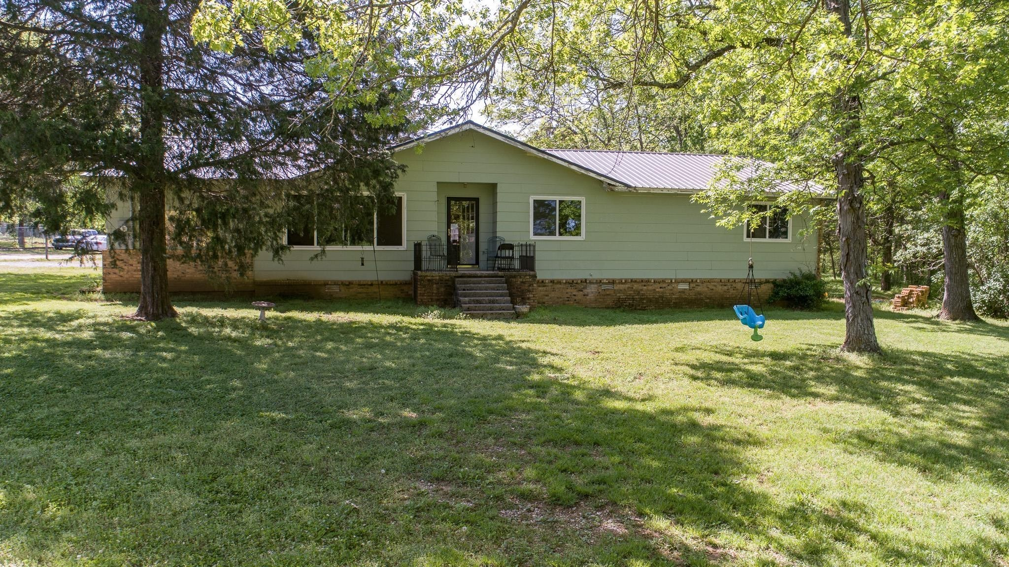 110 Coulter Ct Property Photo 1