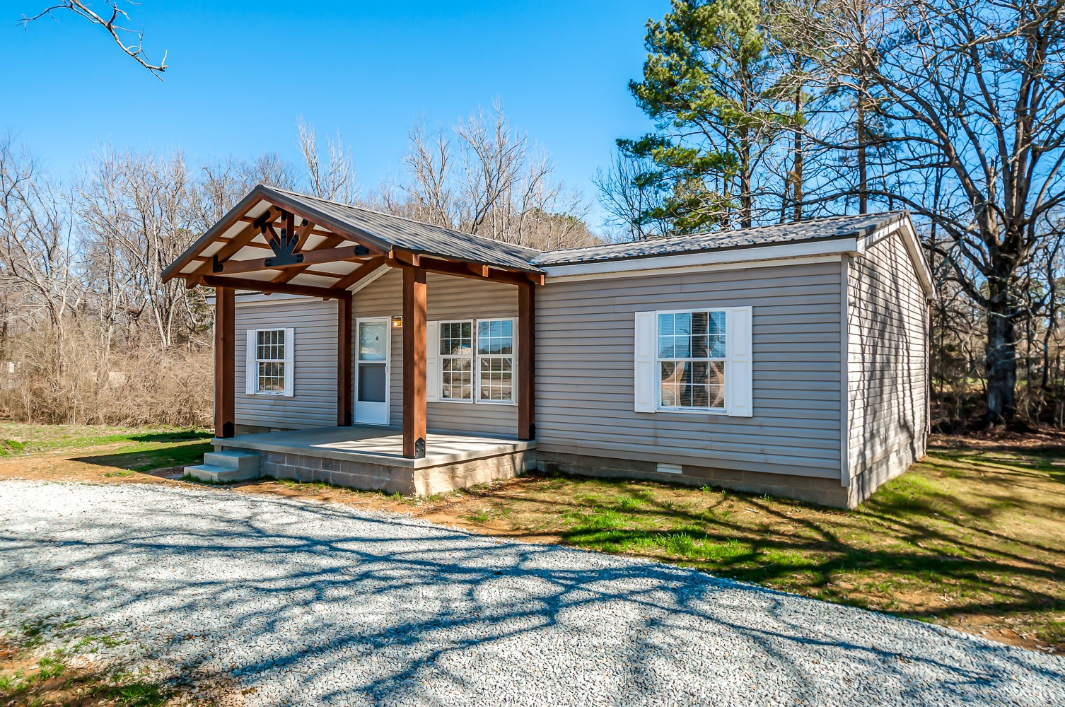 399 Flatwoods School Rd Property Photo - Linden, TN real estate listing