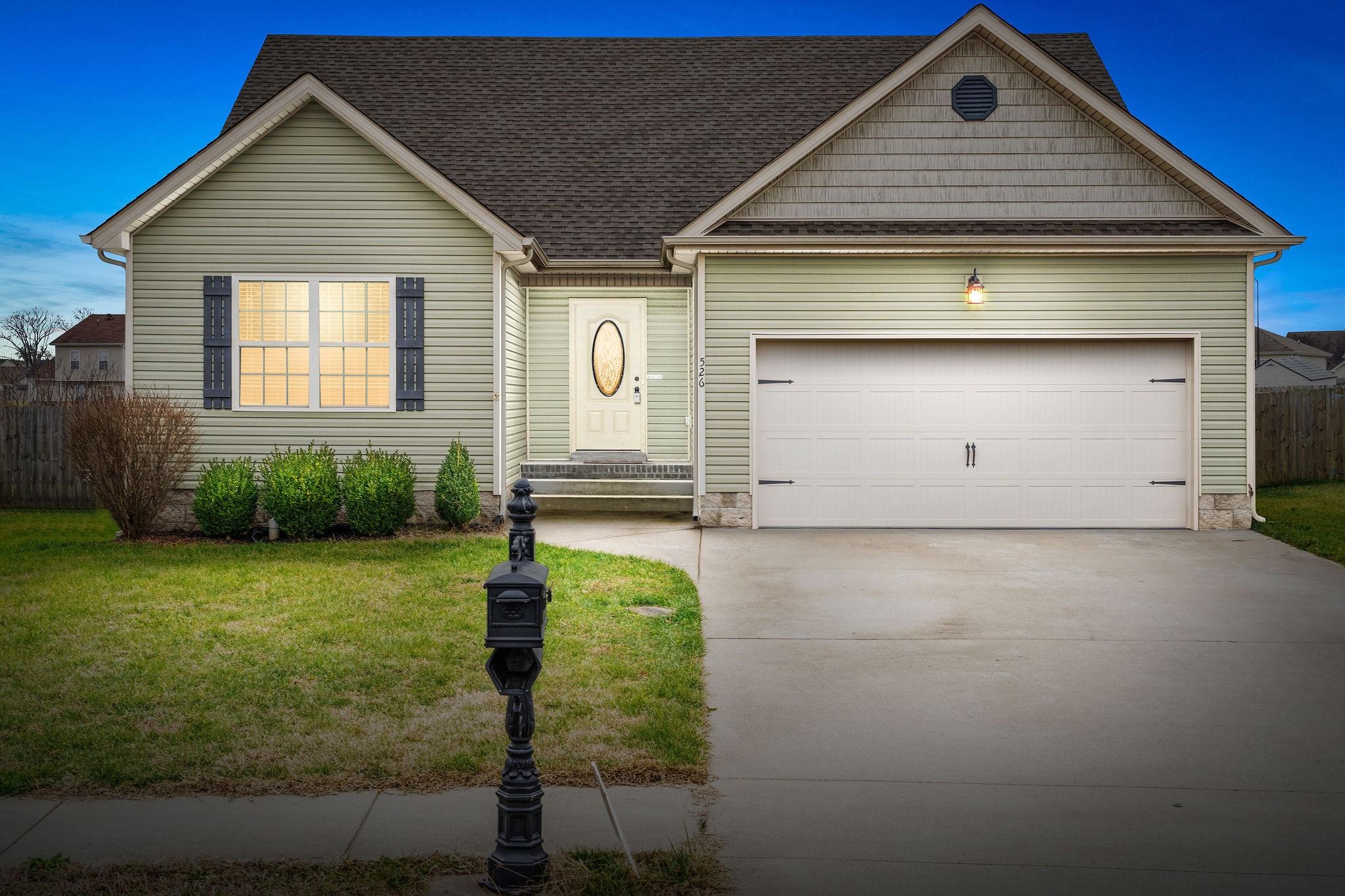 526 Falkland Cir Property Photo - Clarksville, TN real estate listing