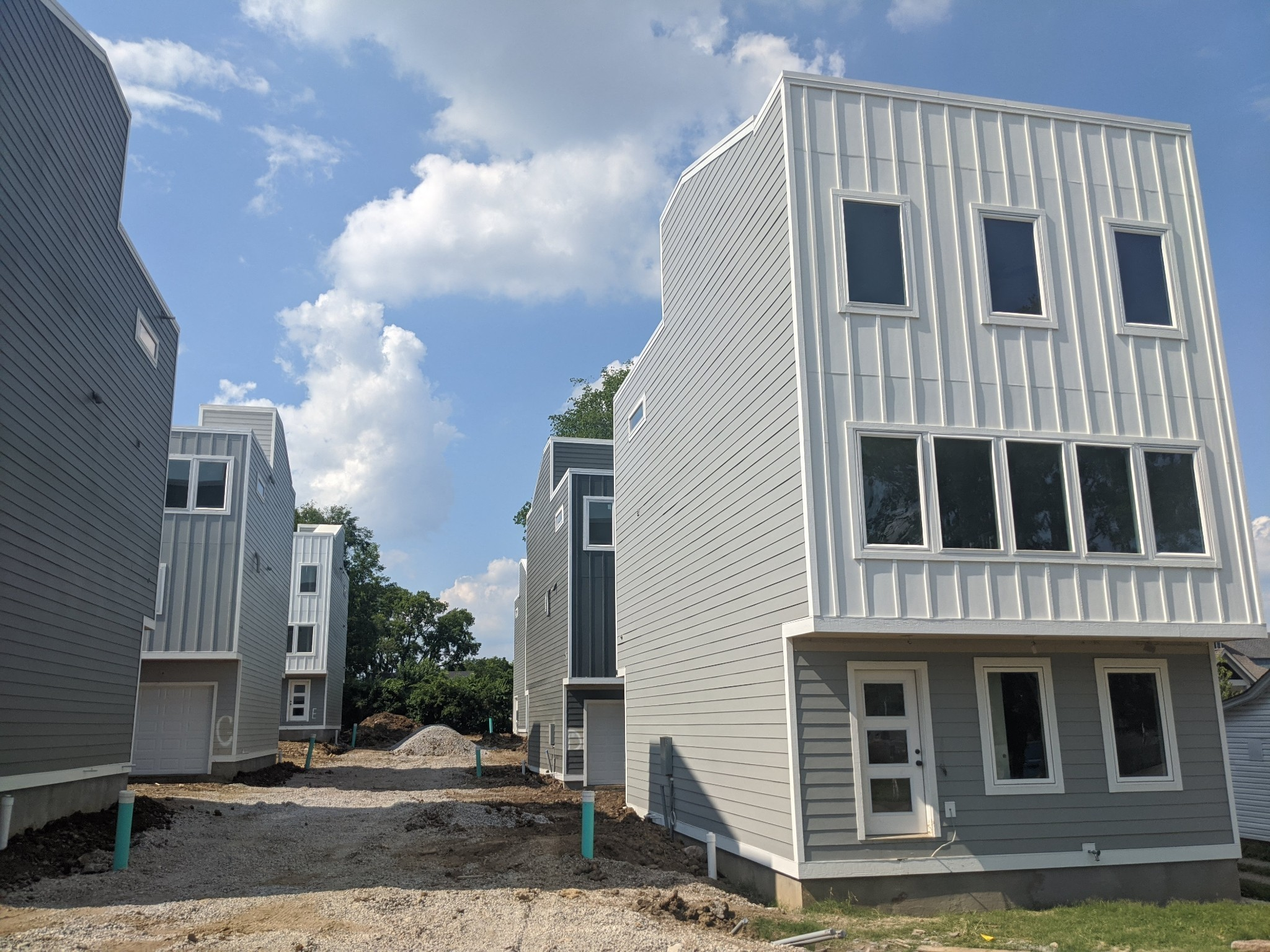 1021b Elvira Ave Property Photo 1