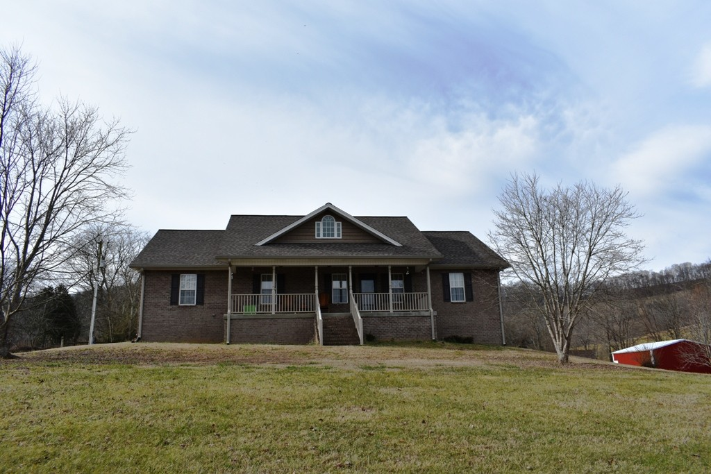 344 Harris Hollow Rd Property Photo - Pleasant Shade, TN real estate listing