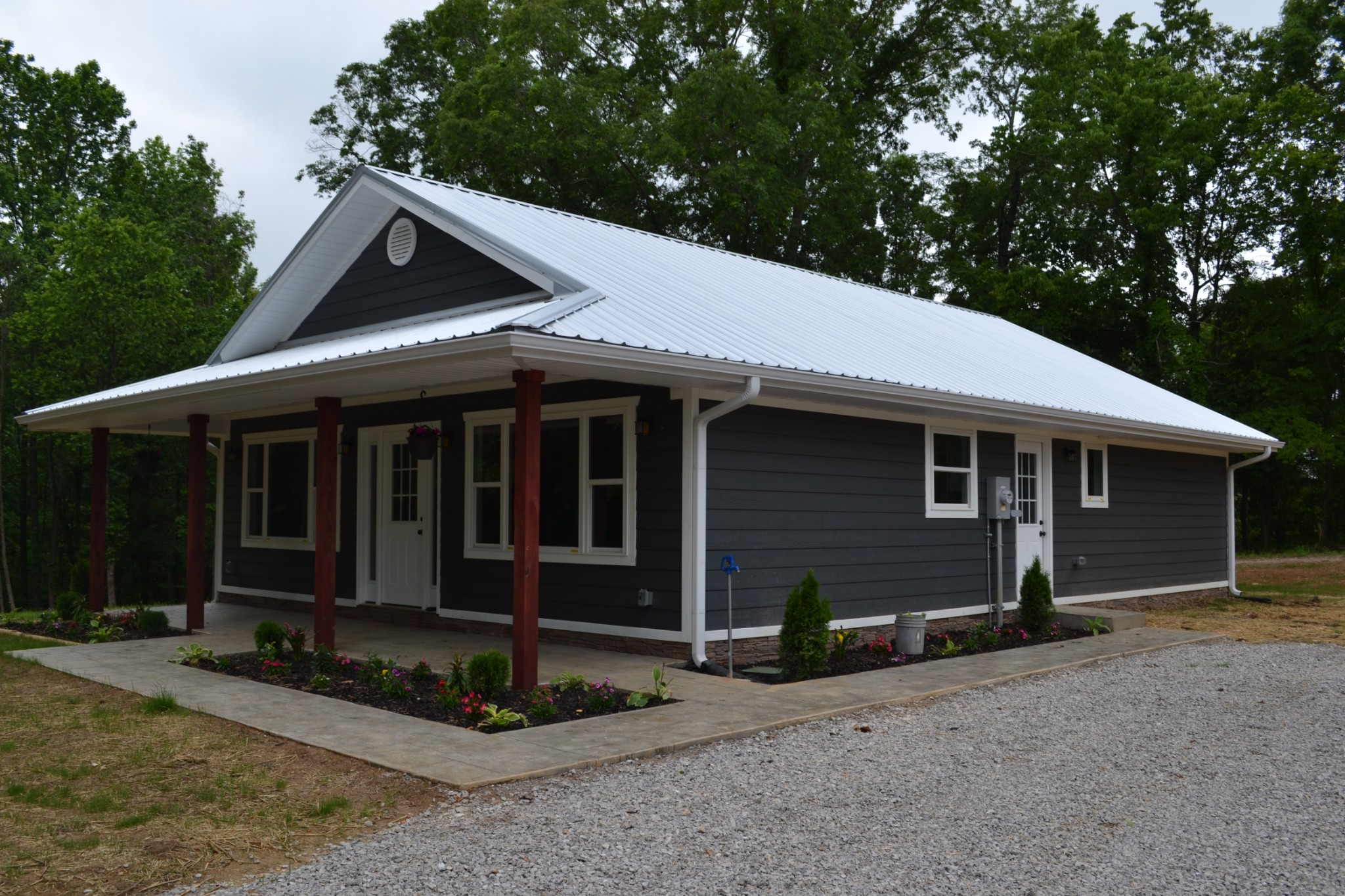 6104 Campbellsville Pike Property Photo - Culleoka, TN real estate listing