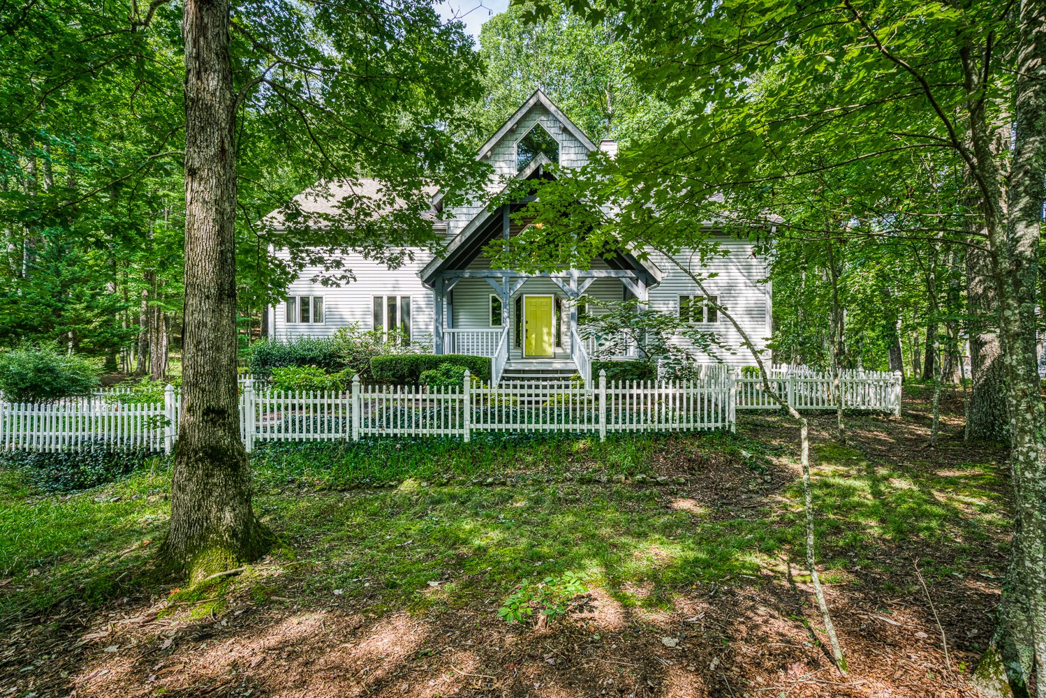 27 Pineridge Ct Property Photo - Crossville, TN real estate listing