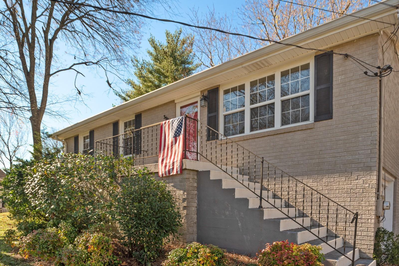 3994 Lawing Dr Property Photo - Nashville, TN real estate listing