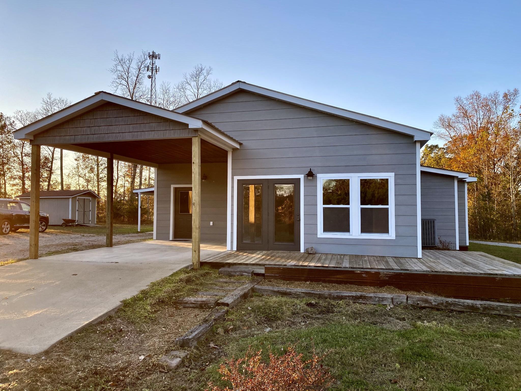 1050 Abbey Walker Ln Property Photo - Waynesboro, TN real estate listing