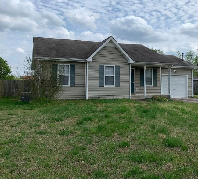 224 Golden Pond Ave Property Photo - Oak Grove, KY real estate listing