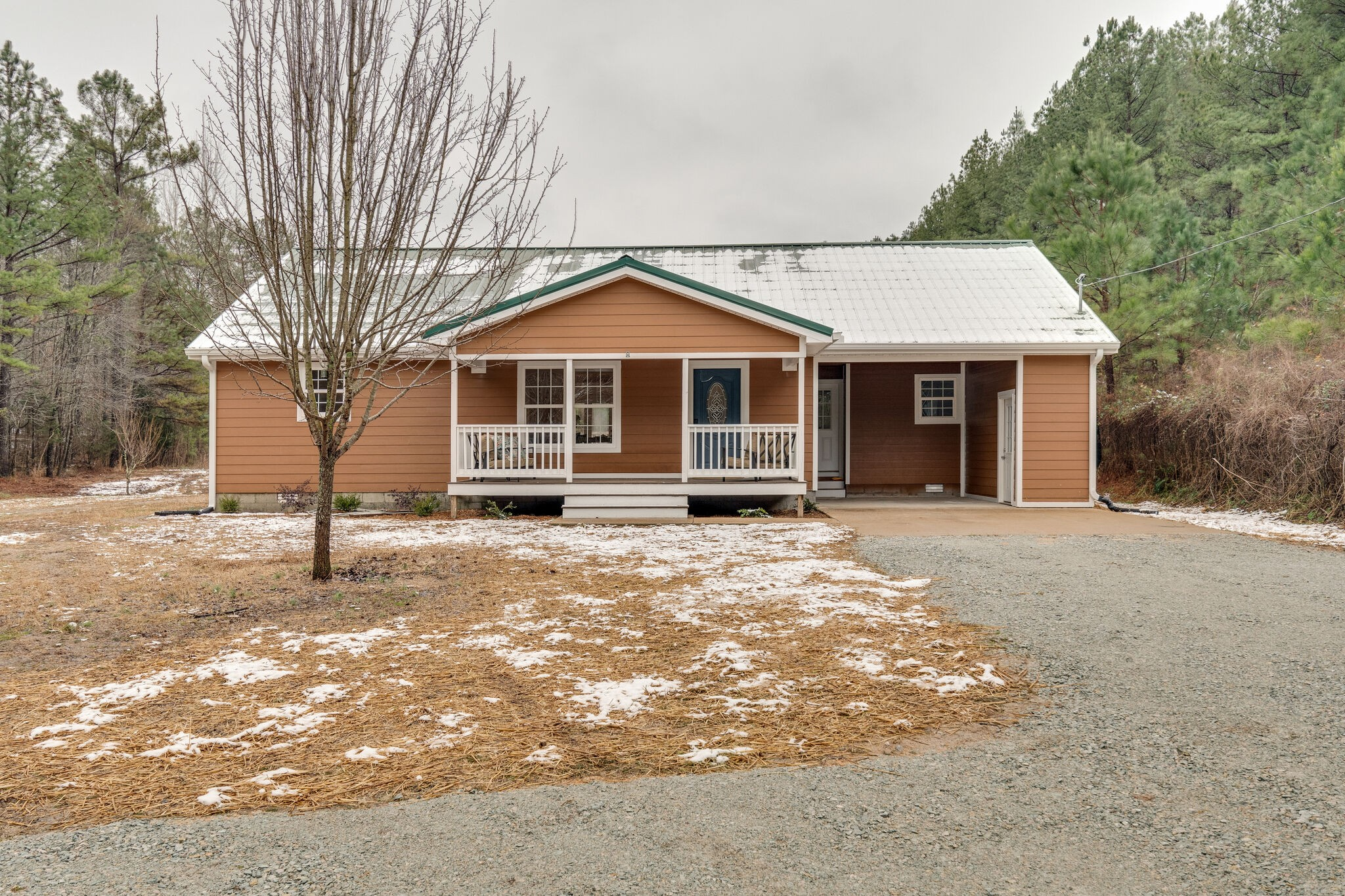 1335 Poplin Hollow Rd Property Photo - Linden, TN real estate listing