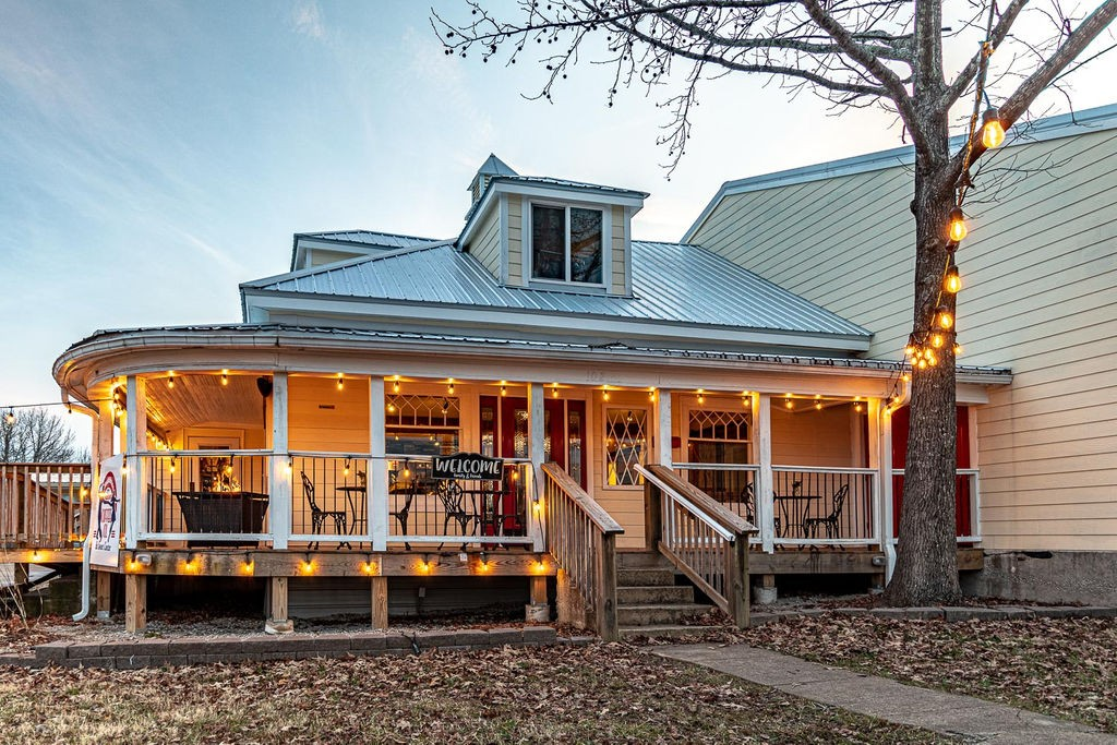102 W Main St Property Photo - Hohenwald, TN real estate listing