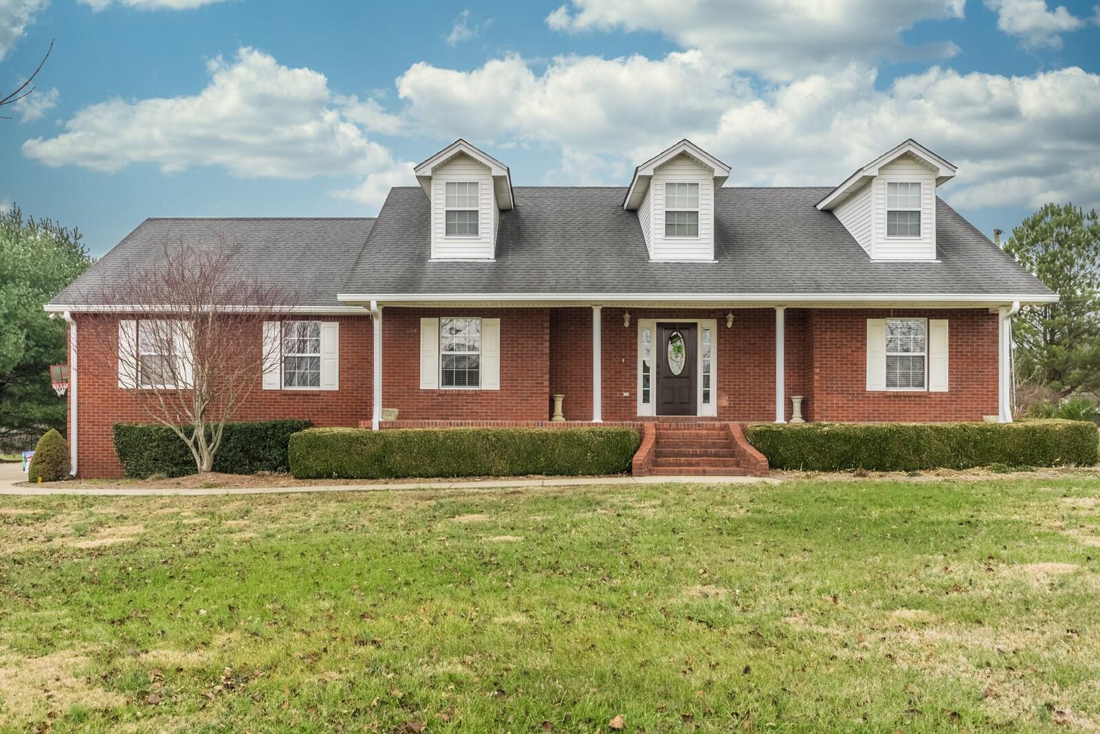1005 Heritage Hills Dr Property Photo - Cedar Hill, TN real estate listing
