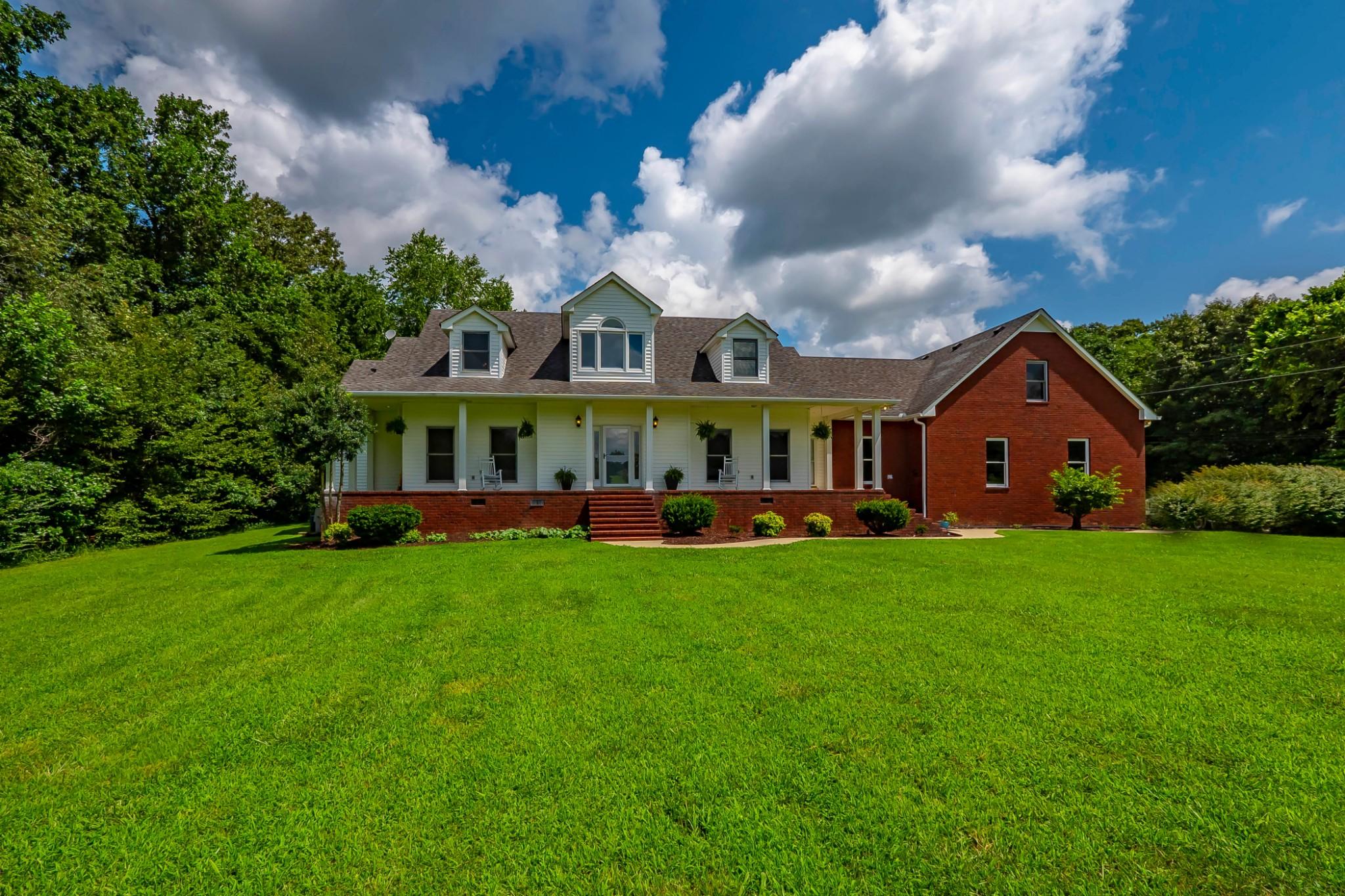 301 Doug Hill Rd Property Photo - Bon Aqua, TN real estate listing