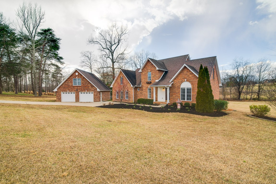 1002 Bee Tee Ln Property Photo - Pleasant View, TN real estate listing
