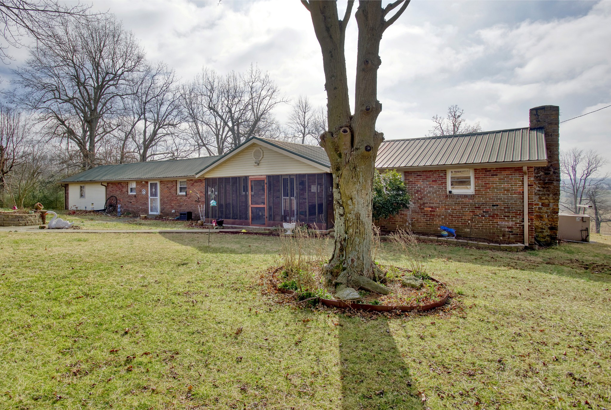 105 Hadden Mill Rd Property Photo - Elkton, KY real estate listing