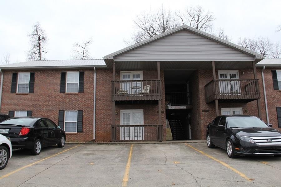 1235 Parkway Place Unit C Property Photo - Clarksville, TN real estate listing