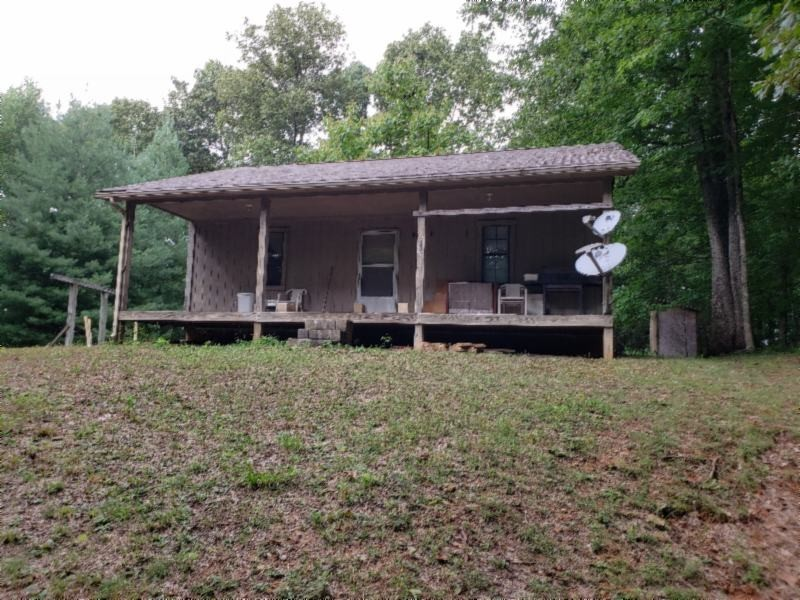 214 Squirrel Ln Property Photo - Hilham, TN real estate listing