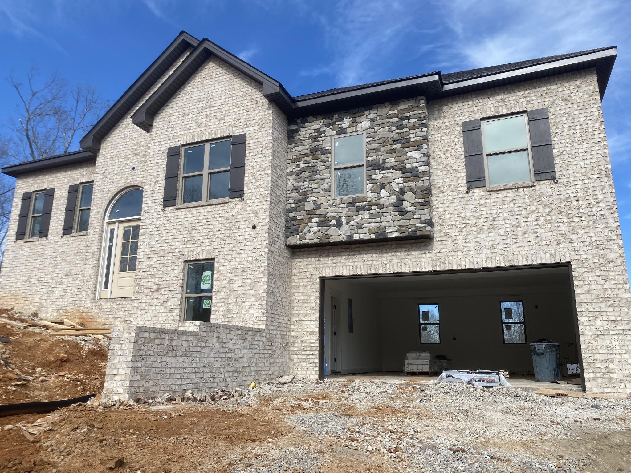 105 Brook Hollow Ct Property Photo - Bon Aqua, TN real estate listing