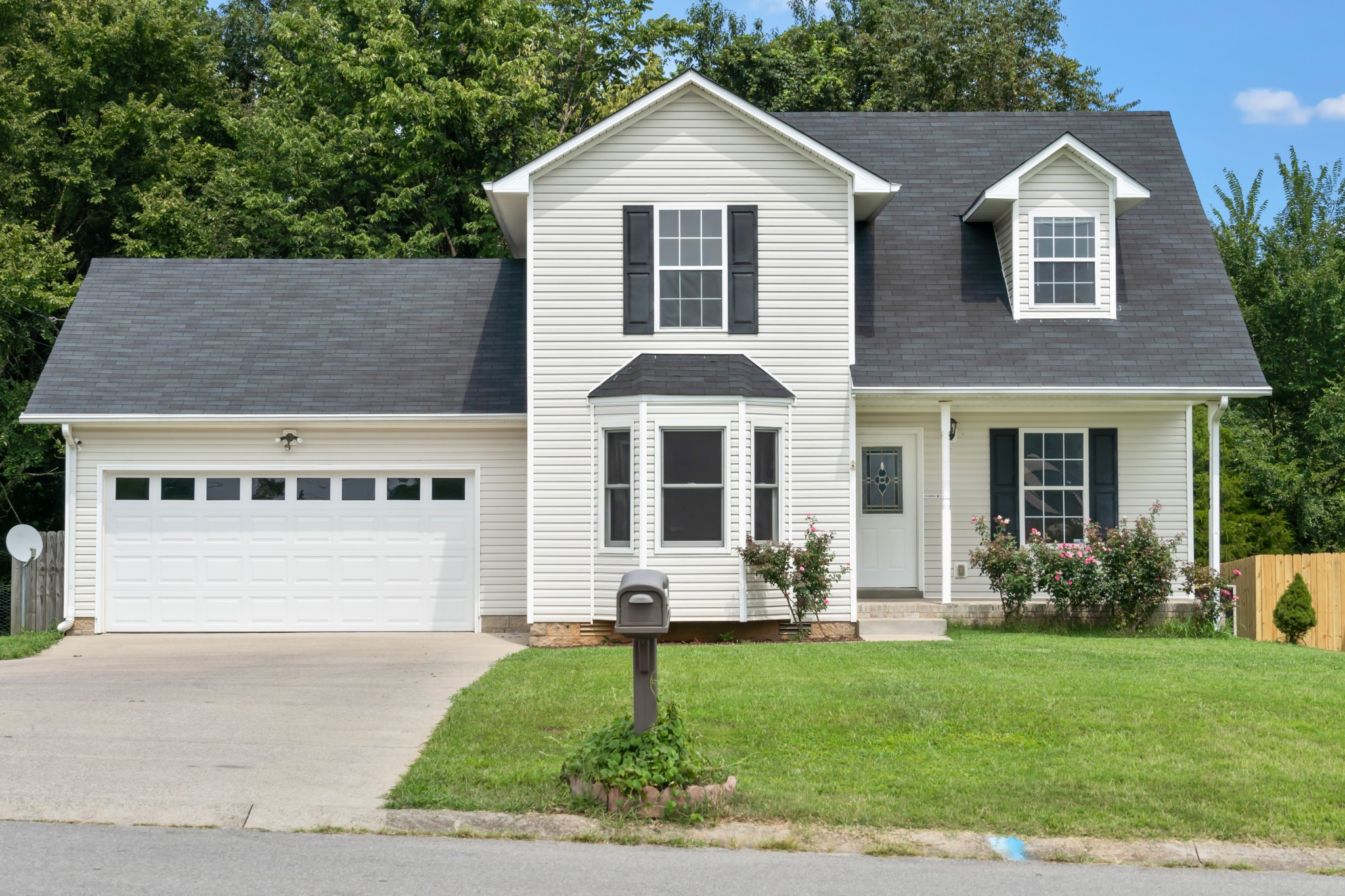 210 Grant Ave Property Photo - Oak Grove, KY real estate listing