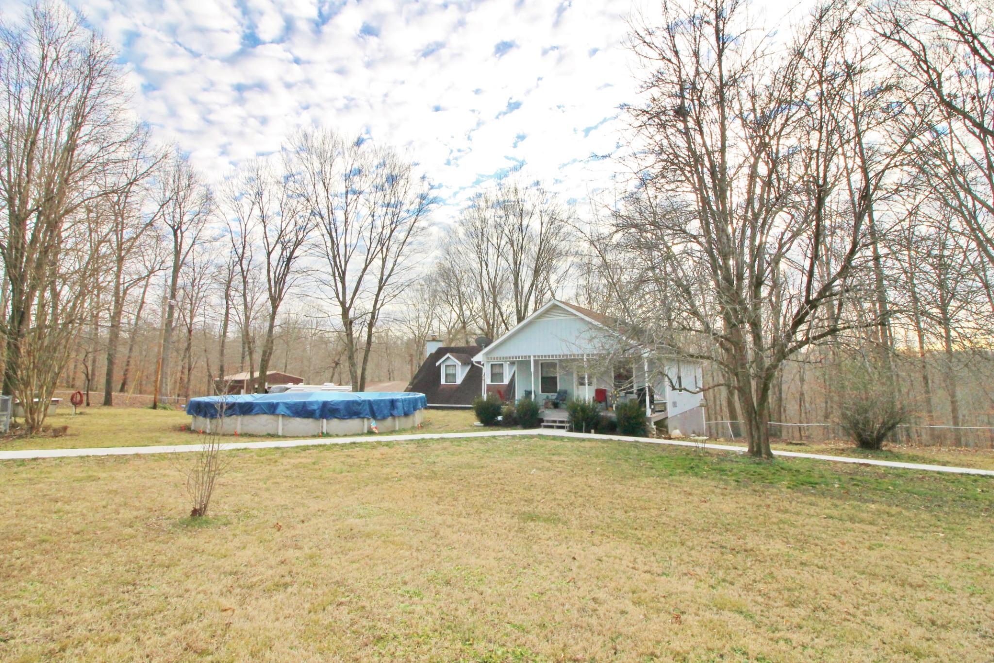 1051 Pumpkin Ave Property Photo - Charlotte, TN real estate listing