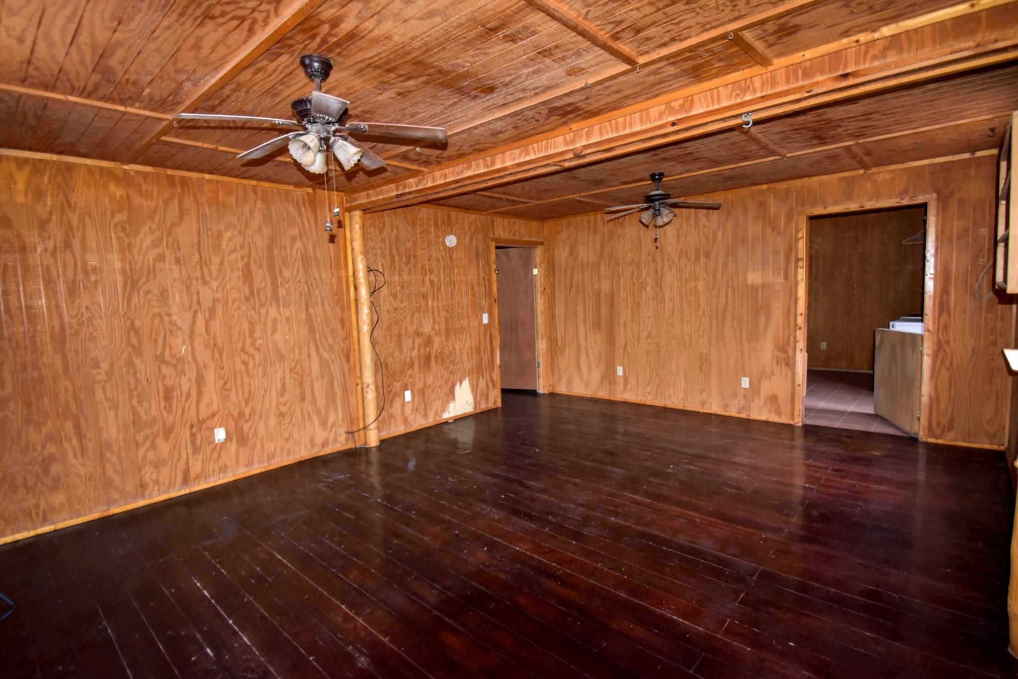 1320 Terrapin Creek Rd Property Photo - Lobelville, TN real estate listing