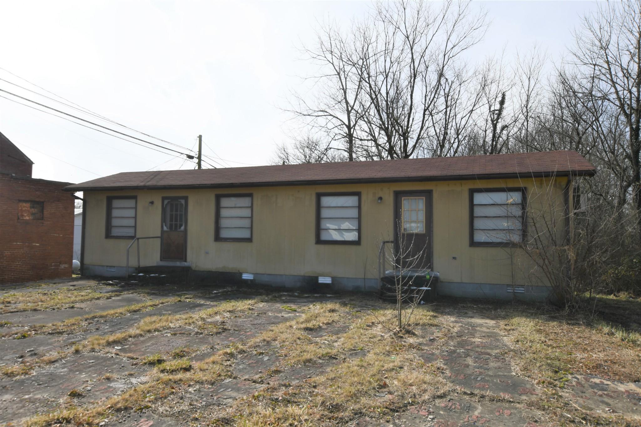 110 Depot St Property Photo
