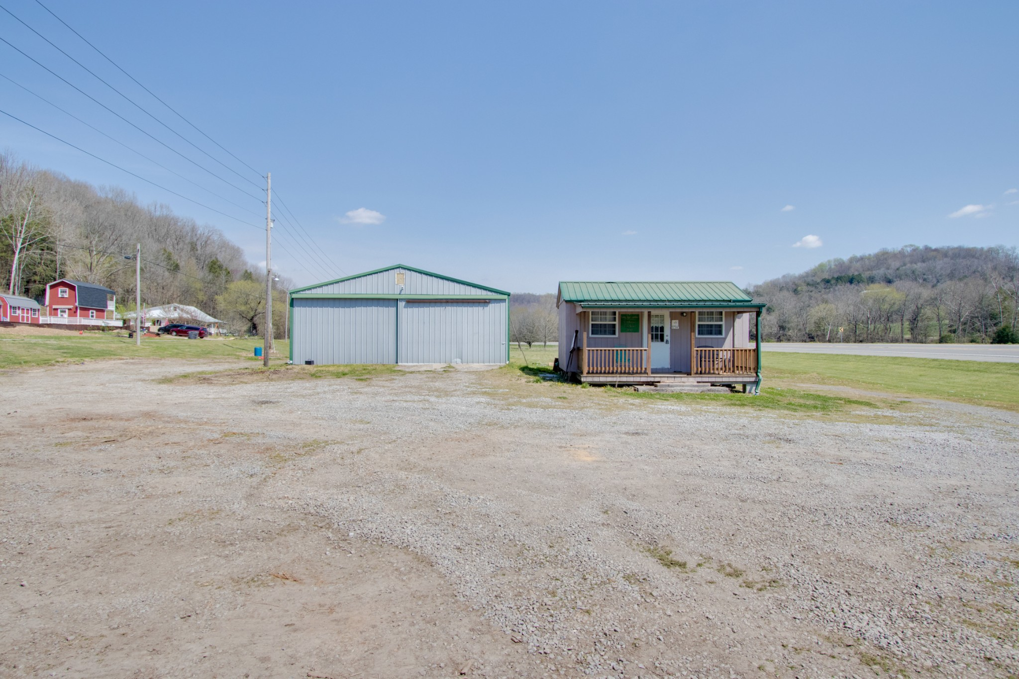 6460 Hwy 31E Property Photo - Bethpage, TN real estate listing