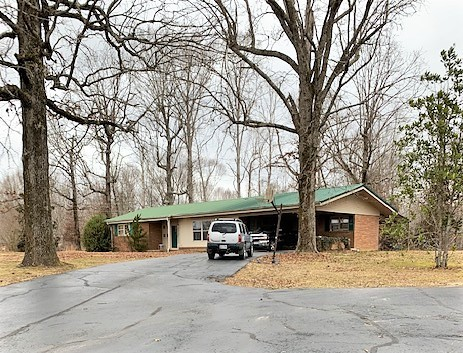 2424 Crawford School Rd Property Photo - Decaturville, TN real estate listing