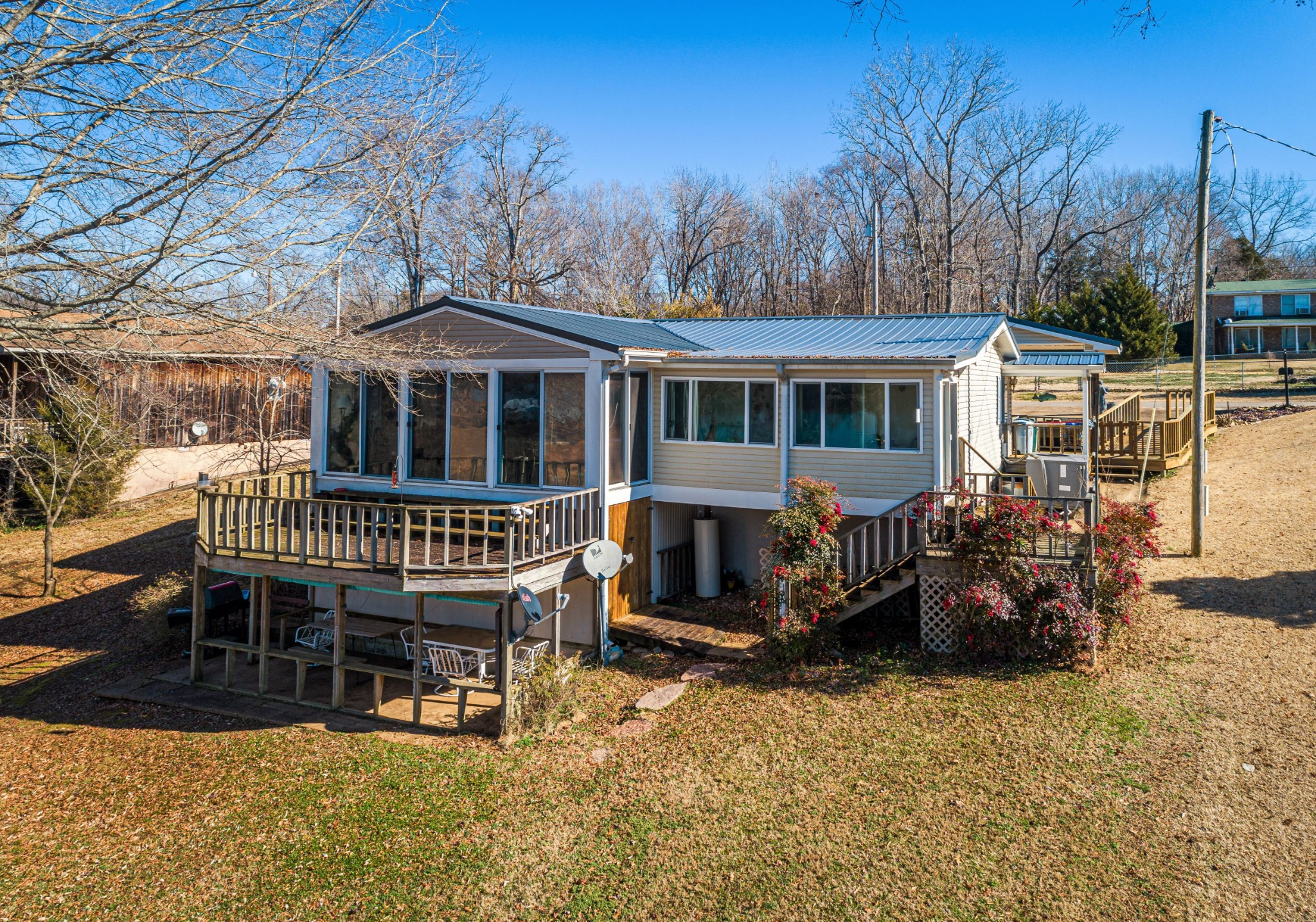 41 Cubby Ln Property Photo - Linden, TN real estate listing