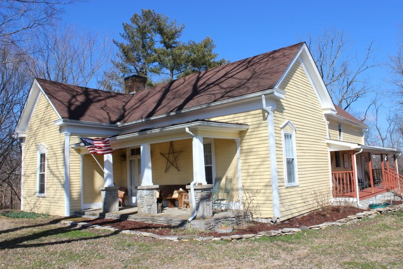 1439 Shelbyville Hwy Property Photo - Petersburg, TN real estate listing