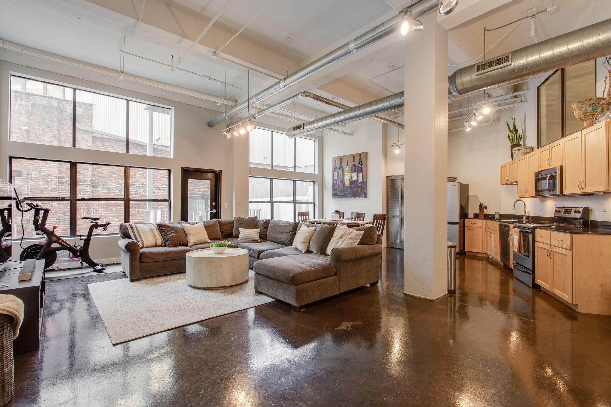 239 5th Ave N #402 Property Photo - Nashville, TN real estate listing