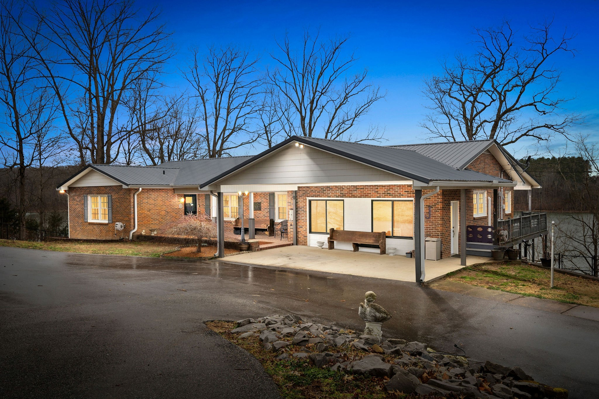 255 Whispering Hills Dr Property Photo - Dover, TN real estate listing
