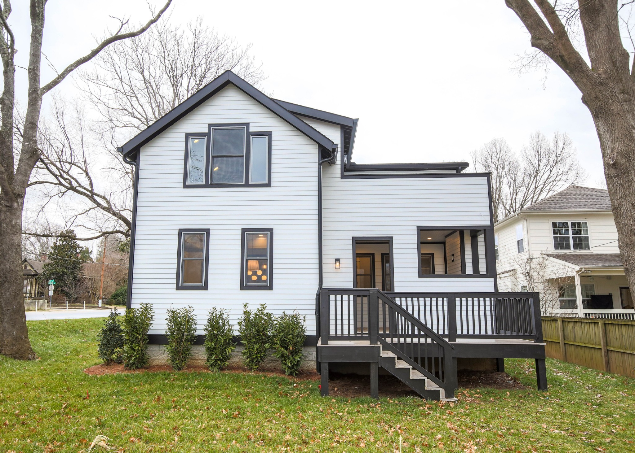 2602 10th Ave S Property Photo - Nashville, TN real estate listing