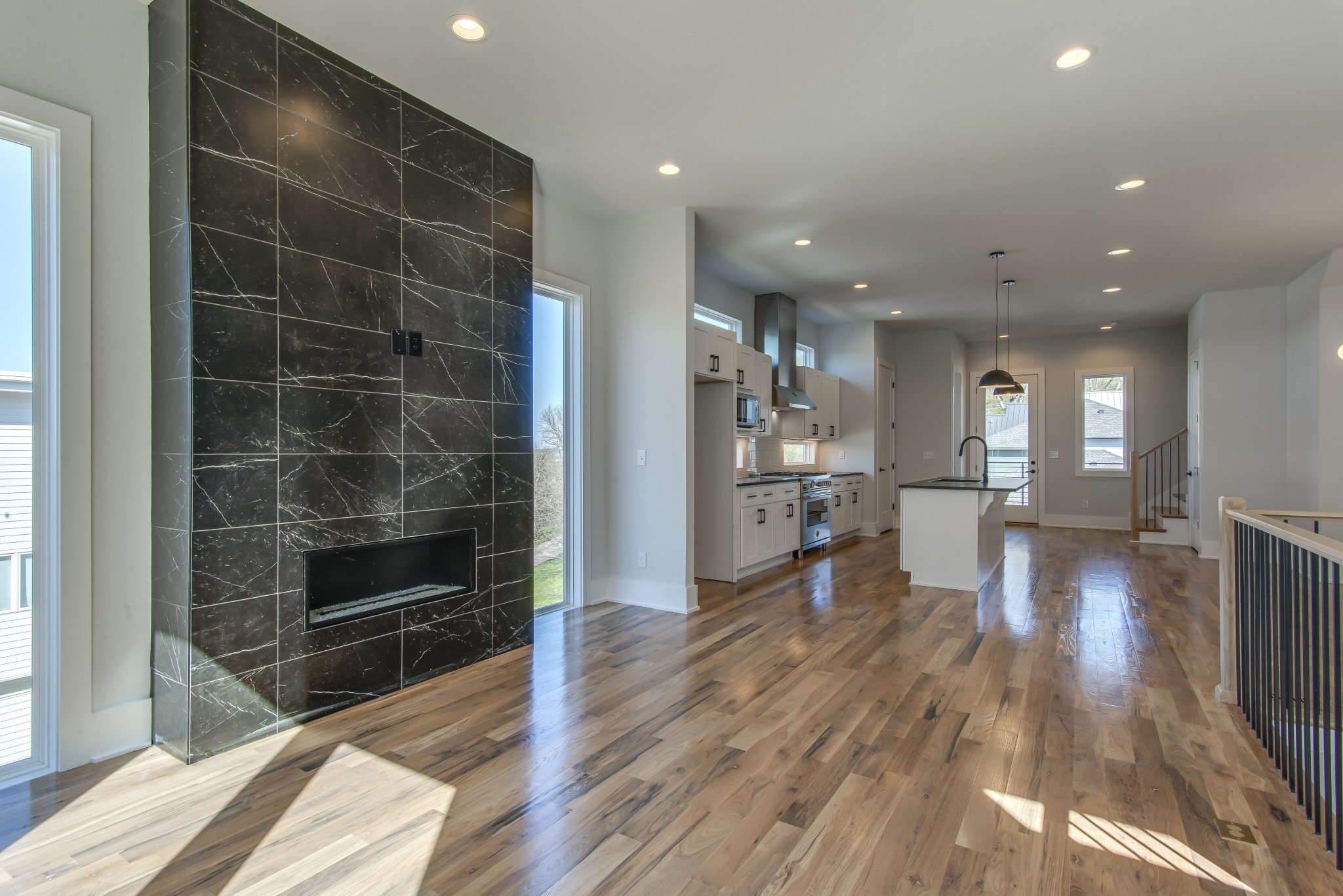 508 36th Ave N #b Property Photo