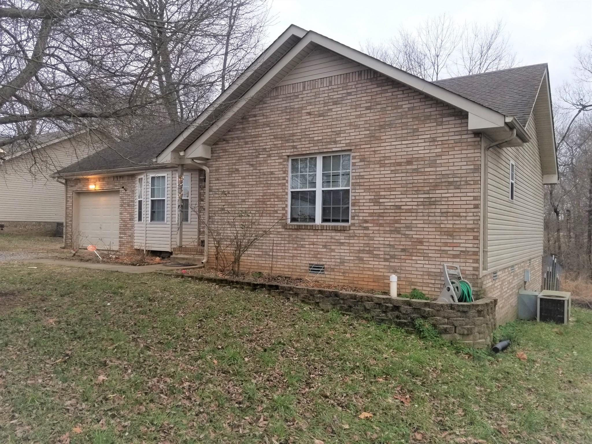 3289 N Senseney Cir Property Photo - Clarksville, TN real estate listing