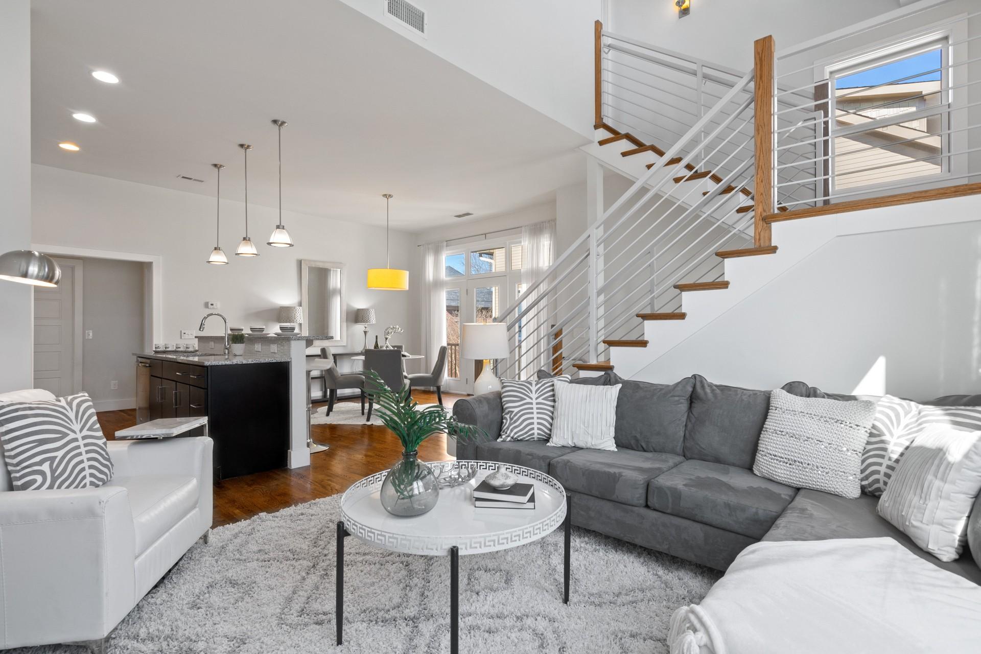 393 Monroe St Property Photo - Nashville, TN real estate listing