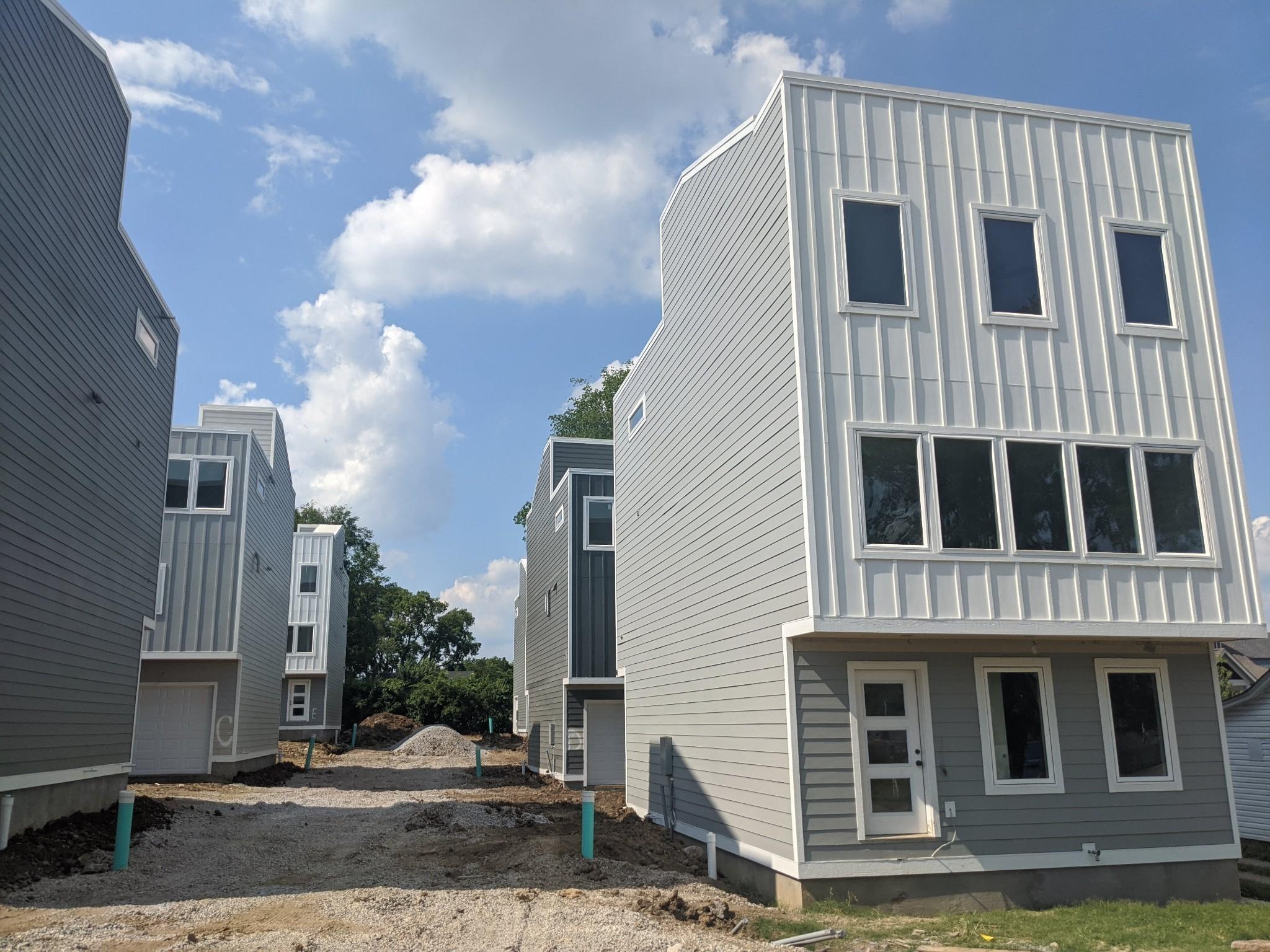 1021d Elvira Ave Property Photo 1