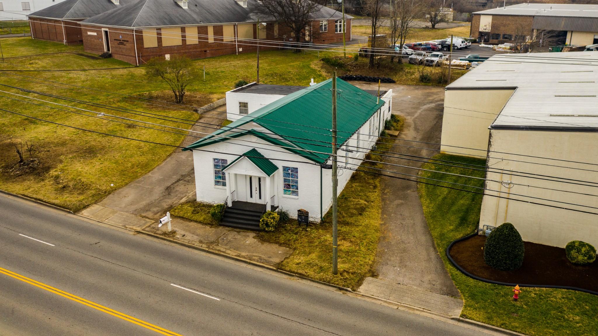 1109 Elm Hill Pike Property Photo