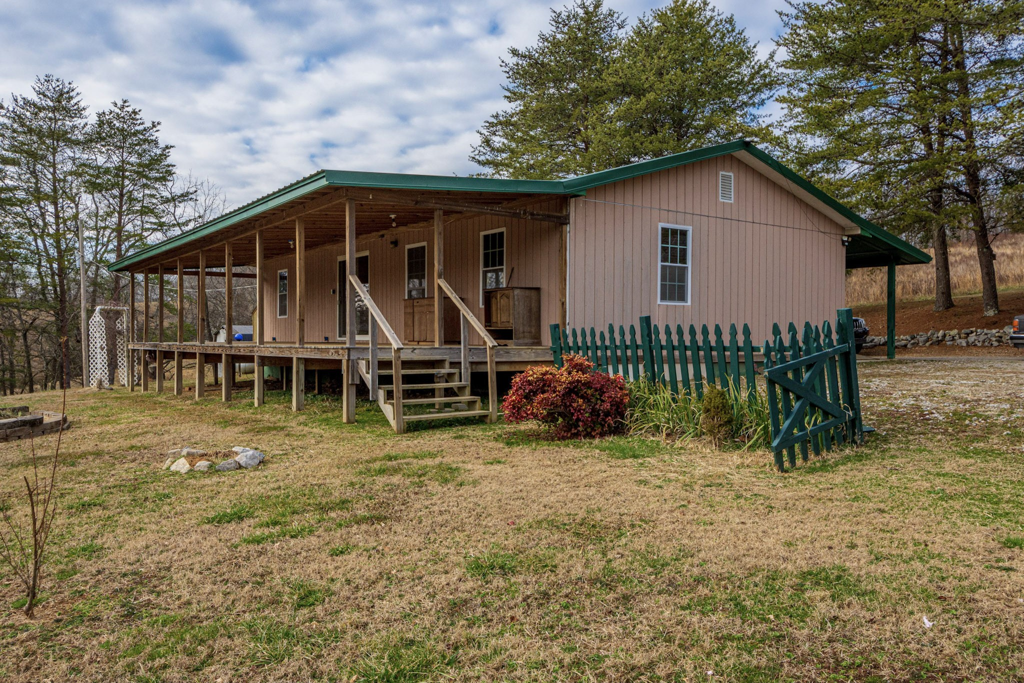 2688 Tackets Branch Rd Property Photo - Prospect, TN real estate listing
