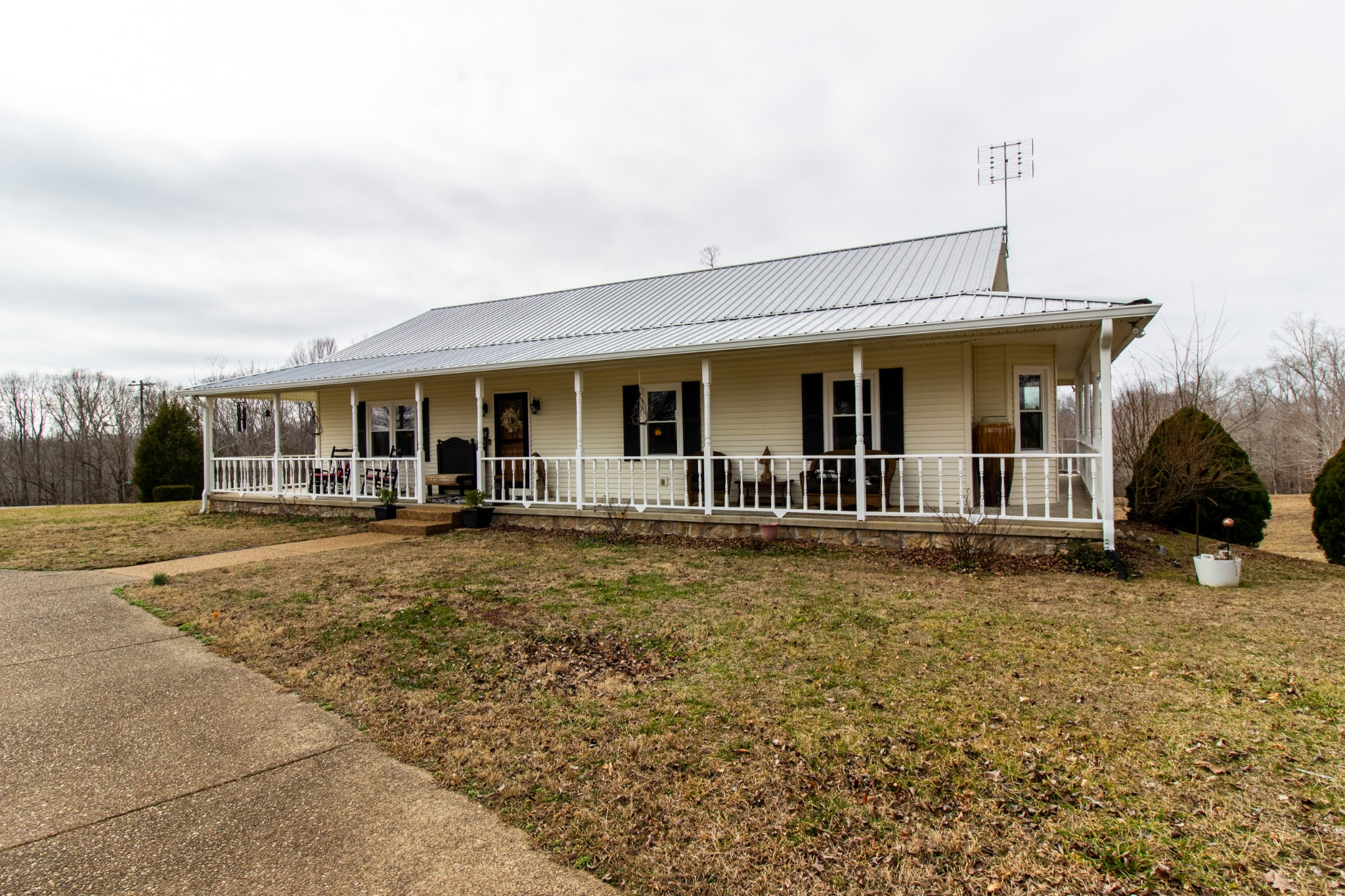 505 Langford Rd Property Photo - Waverly, TN real estate listing