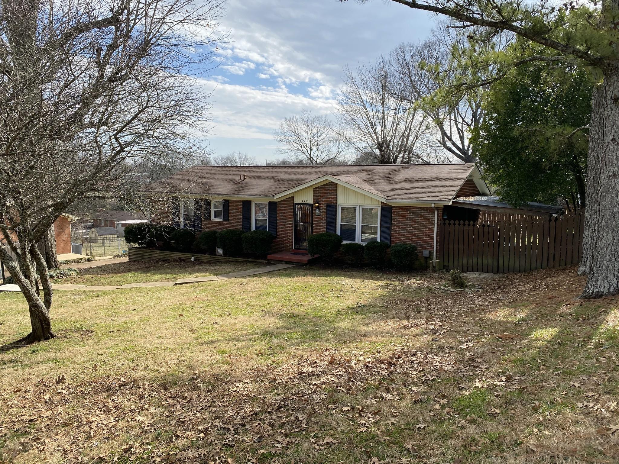 213 Ashwood Dr Property Photo - Columbia, TN real estate listing