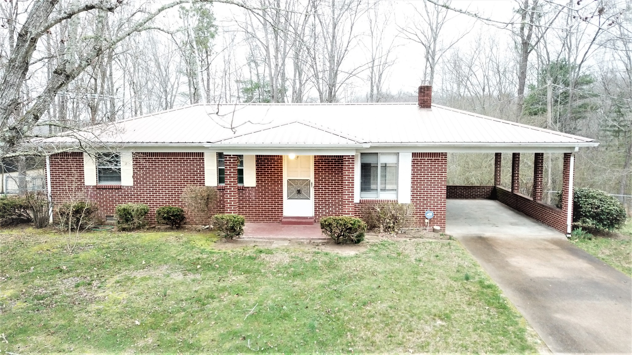 722 Hickory St Property Photo - Centerville, TN real estate listing