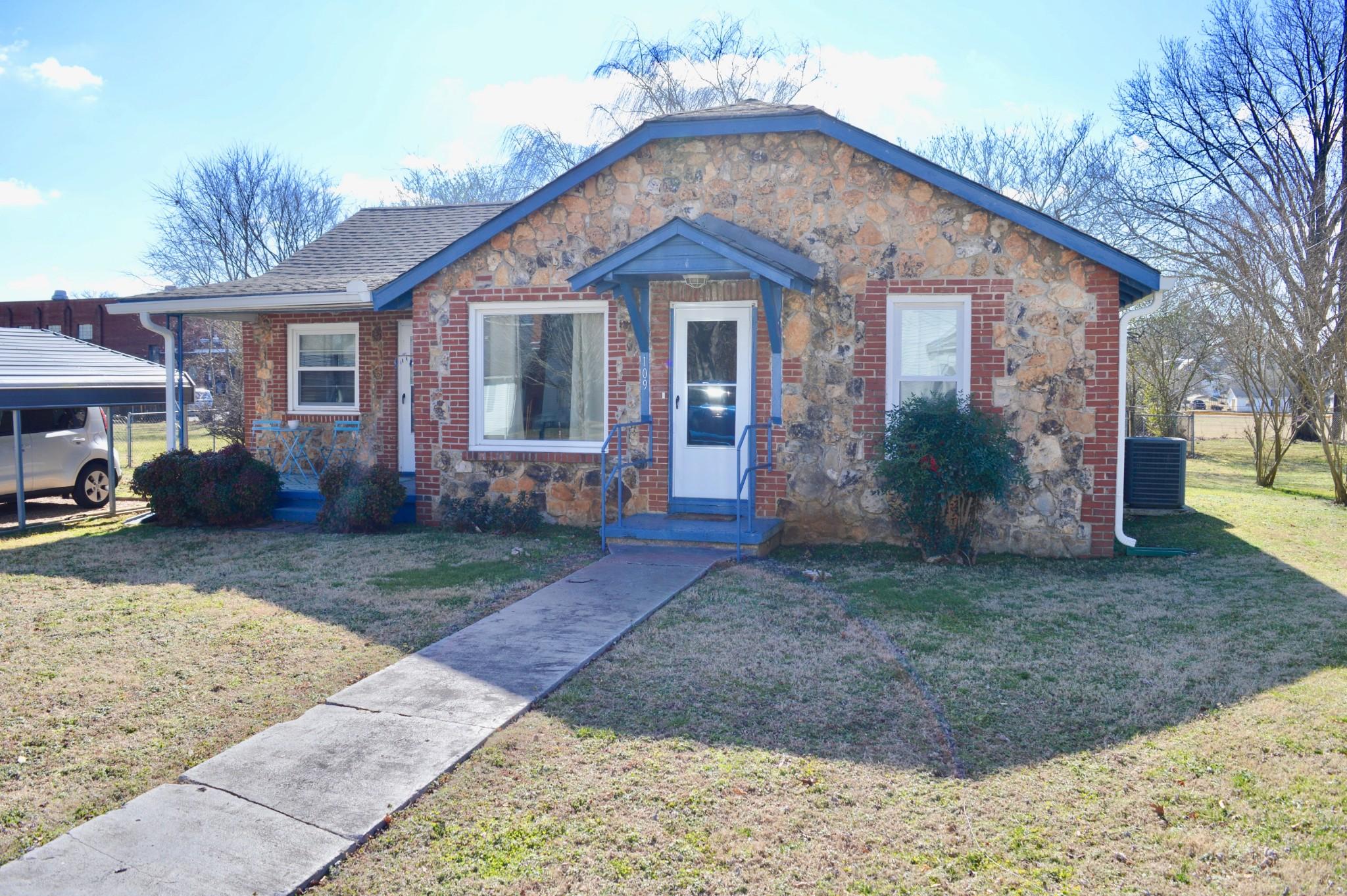 109 Poplar St N Property Photo - Cowan, TN real estate listing